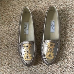 VINTAGE Trotters Aztec Loafers